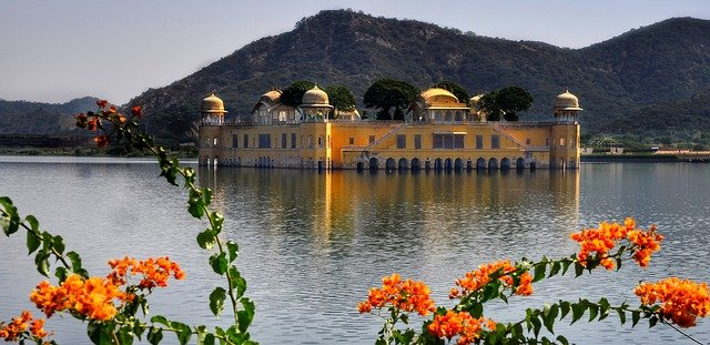Best area to stay in jaipur